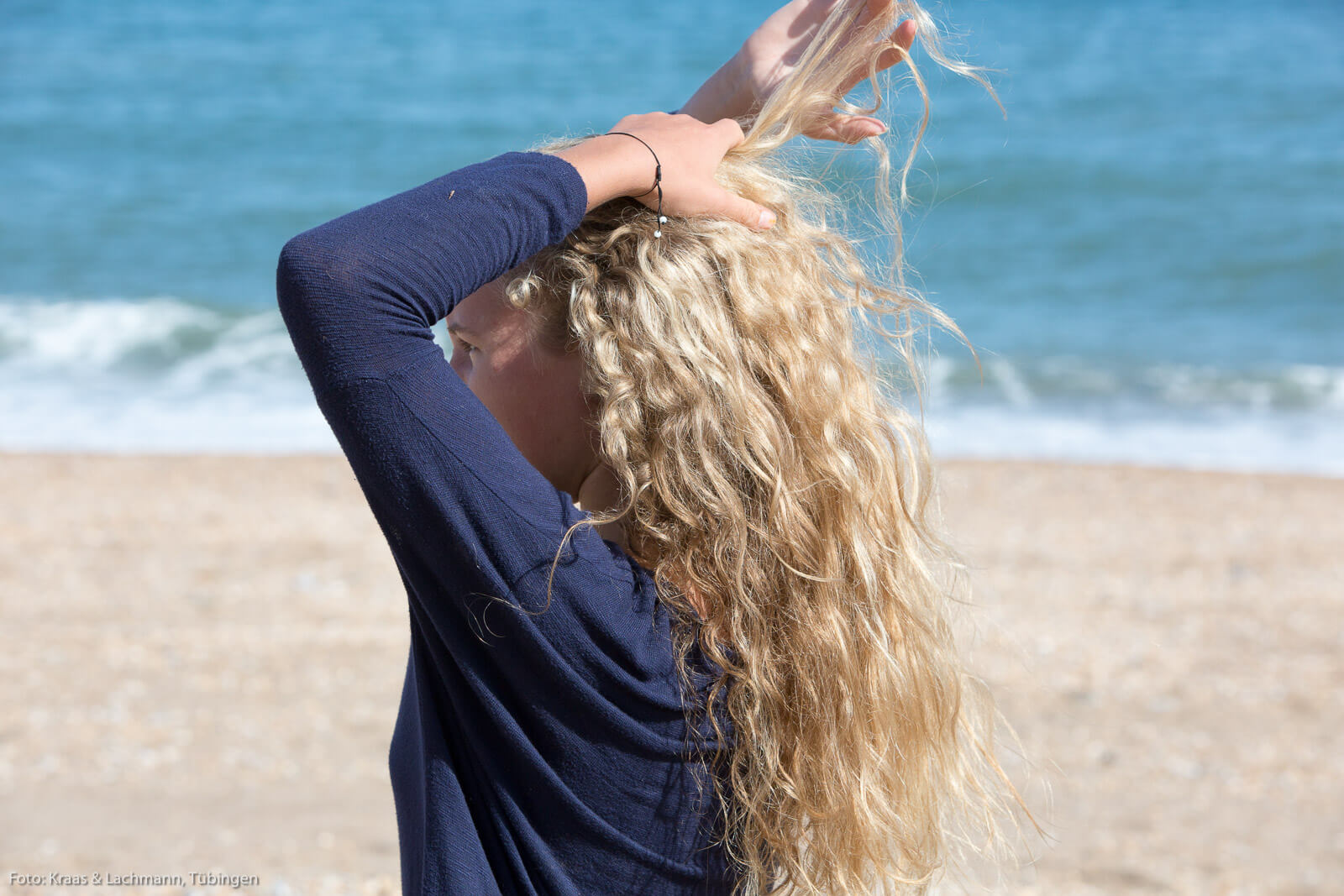 In die glatten Haare kommt wieder Schwung: Volumen ist angesagt bei den Frisurentrends 2017