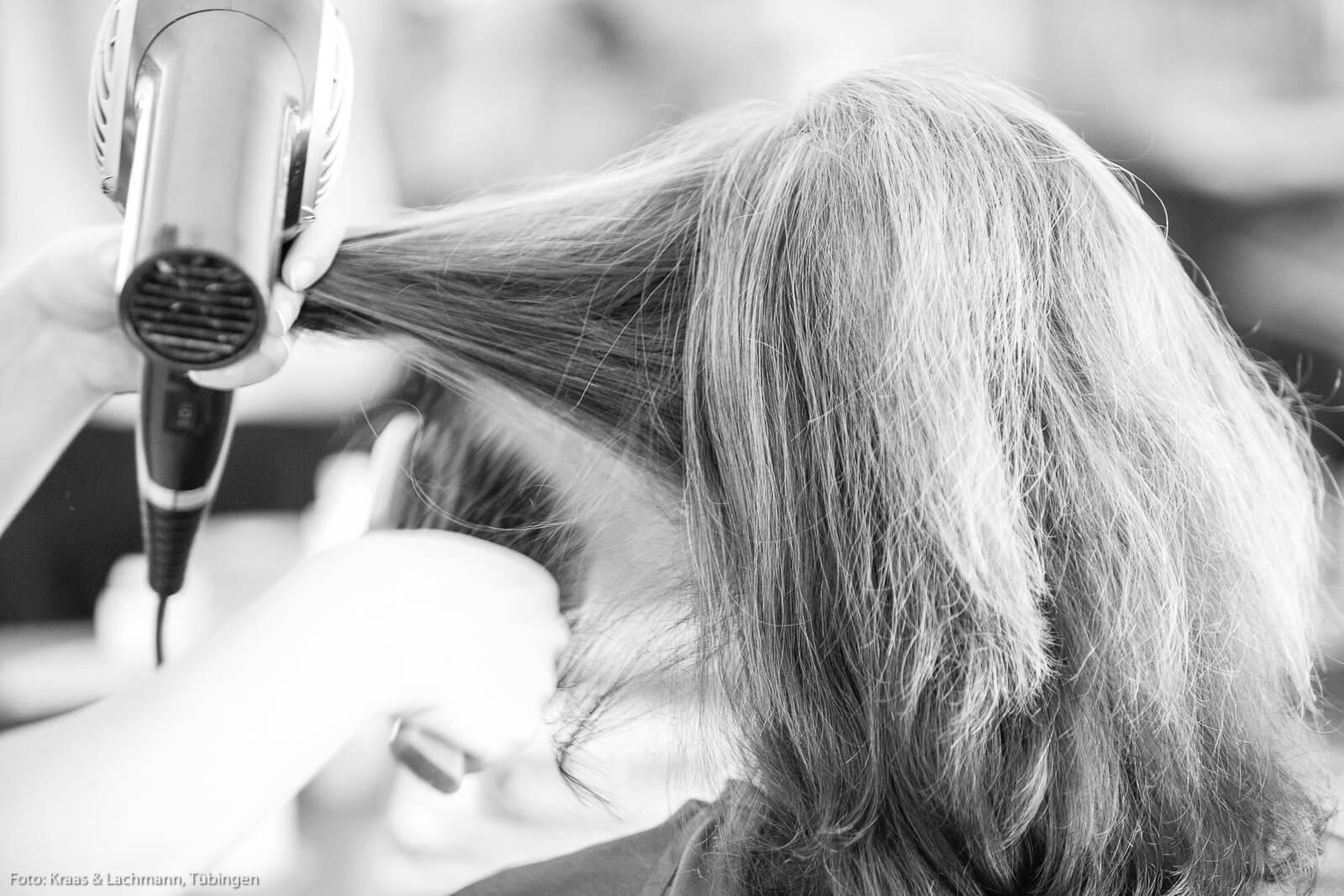 Perfektes Styling für Ihre Frisur: unsere Frisörinnen und Frisöre wissen, wie's geht