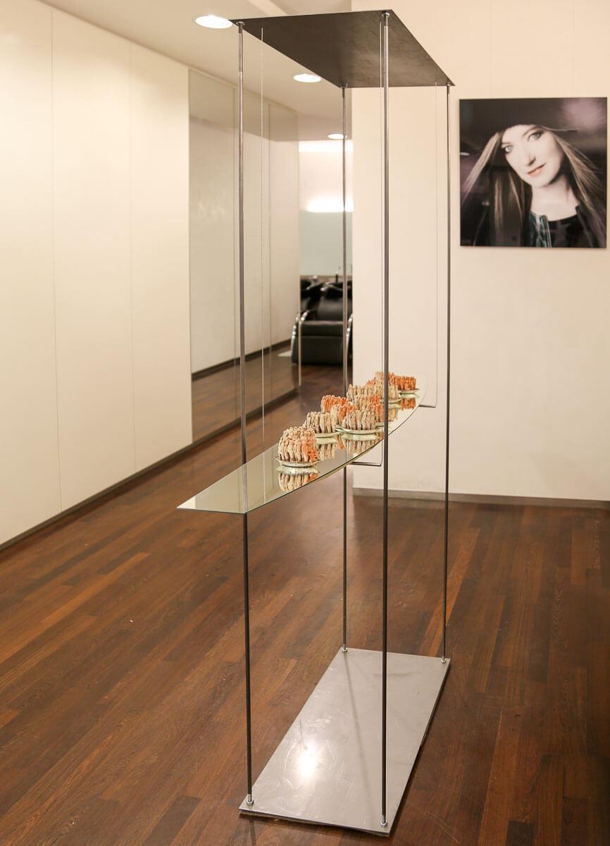 Installation von Jochen Meyder aus Münsingen-Dottingen im Friseursalon in Reutlingen