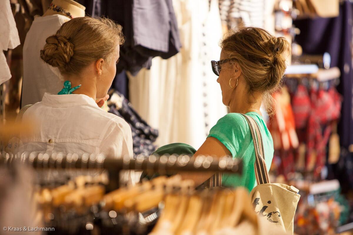 Nachhaltig einkaufen: immer mehr Modelabels informieren über den kompletten Herstellungsprozess