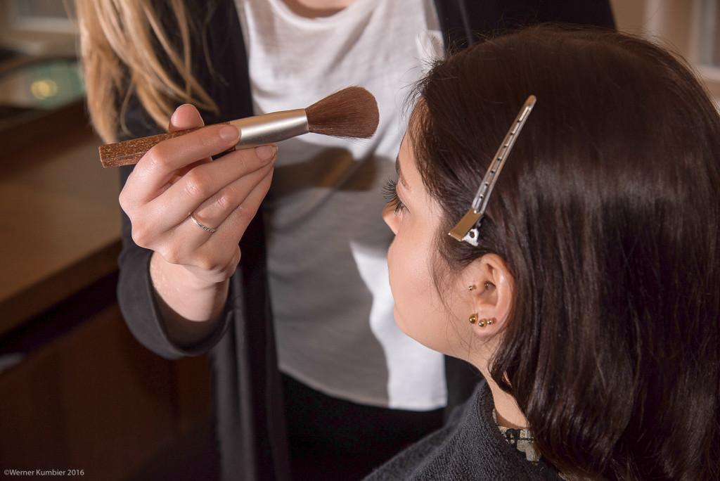 Damit Sie sich rundum wohlfühlen: Make-up Auffrischung mit Aveda-Produkten